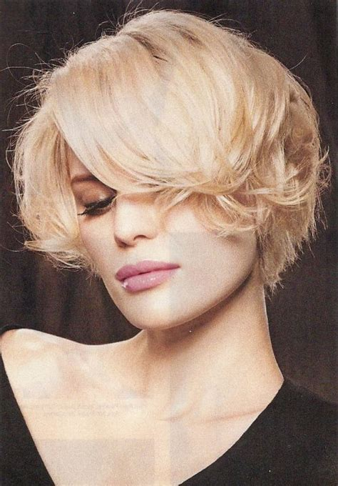 what is a modified wedge haircut back view short classic layered bob hairstyles pinterest