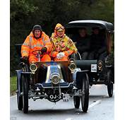 Vintage Car Enthusiasts Battle The Elements And Breakdowns