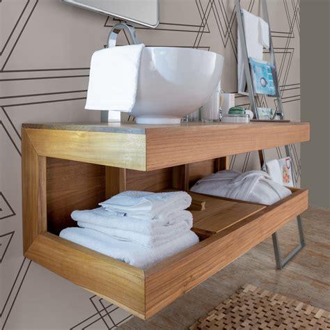 mobili di legno illuminazione legno