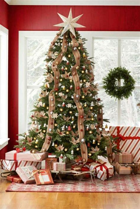 como decorar un arbol de navidad con cinta ancha m 225 s de 25 ideas incre 237 bles sobre cinta de 225 rbol de navidad