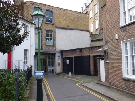 london house to buy london property chelsea garage doubles guide price to fetch 163 360 000 at savills auction