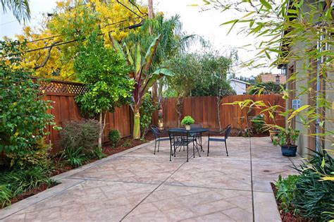Patio Designs For Small Yards The Of Landscaping A Small Yard