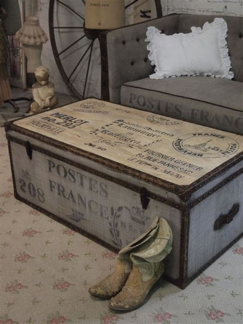shabby chic trunk 25 best ideas about steamer trunk on