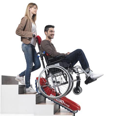 sedia saliscale noleggio montascale saliscale a cingoli per anziani e