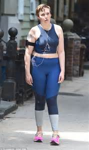 lena dunham running lena dunham limbers up in leggings and crop top on the set