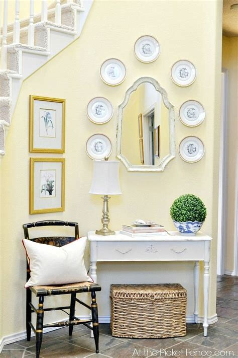 Pale Yellow Dining Room by Best 25 Yellow Dining Room Ideas On Yellow