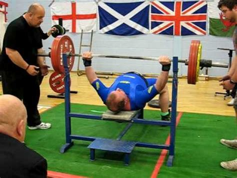 world chion bench press harry whale breaks new world record on the bench press