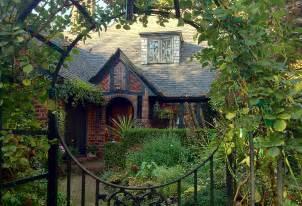 portland brick cottage cottage ideas