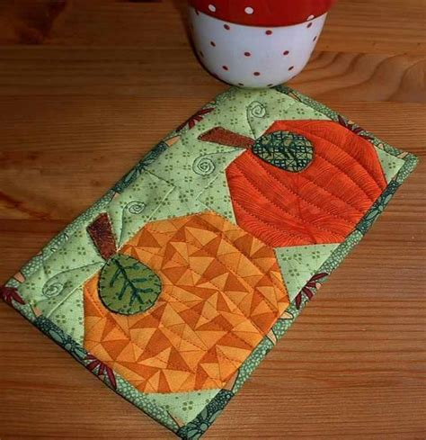 Patchwork Pumpkin - 12 charming pumpkin patterns for quilters quilting digest