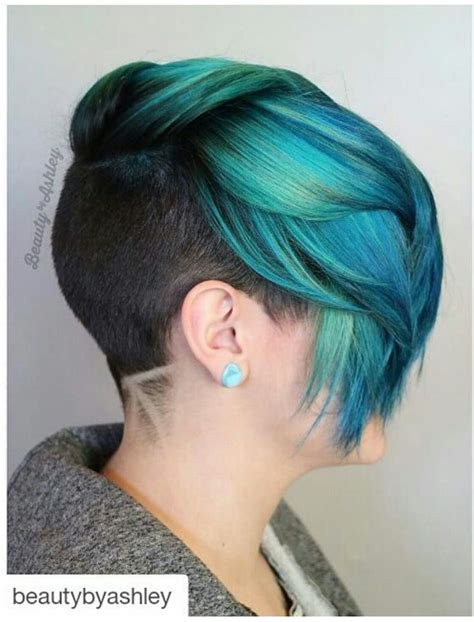 dyed hairstyles turquoise teal green dyed hair with sides and back