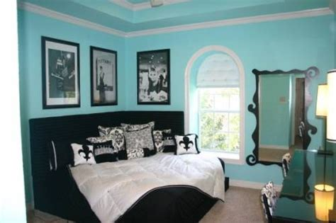 blue black and white bedroom homeofficedecoration black and white and blue bedrooms