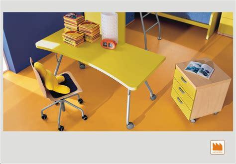 scrivania con rotelle scrivanie su ruote e scorrevoli