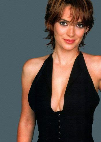 hollywood actress caught stealing binside tv winona ryder accused of shoplifting caught on