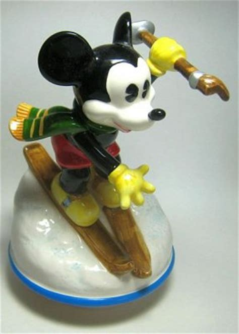 mickey mouse skiing downhill  box   schmid