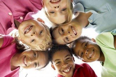 imagenes niños jugando en grupo jugar en grupo cayrothegames
