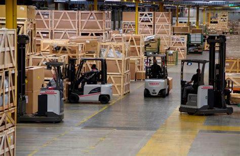 Nissan Warehouse by Veiligste Magazijn Schaft Meest Ergonomische Trucks Aan