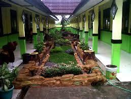 desain taman sekolah  bunga hias bonsai taman