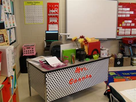 student desk in spanish 24 best images about owl theme on pinterest who am i