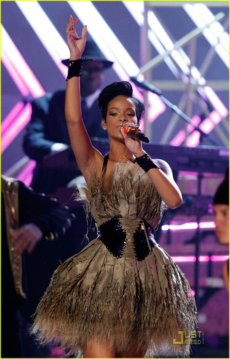 Rihanna In Post Grammys Car Crash by Rihanna In Car Crash Photo 925151 Rihanna Pictures