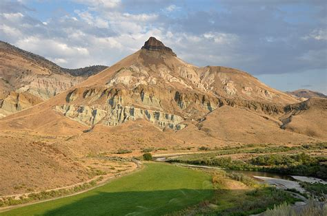 john day fossil beds national monument road trip eastern oregon road trip oregon reliable