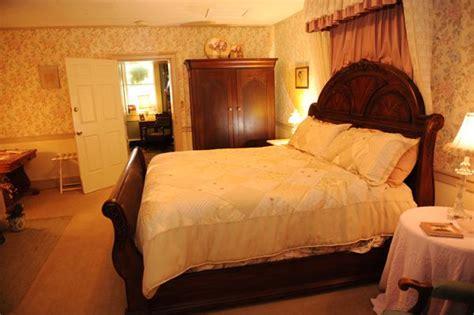 bardstown bed and breakfast jailer s inn bed and breakfast bardstown compare deals