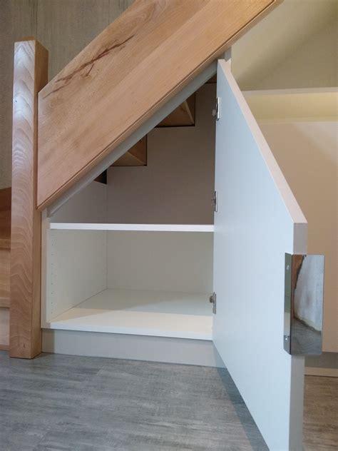 Meubles Sous Escaliers by Rangements Sous Escalier Avec Penderie Et 233 Tag 232 Res
