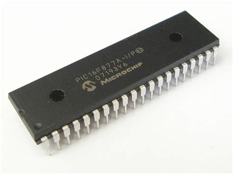 pic of pic16f877a introduction and features microcontrollers lab