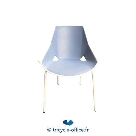 Chaise Et Bleue by Chaise Empilable Blanche Et Bleue Occasion Tricycle Office