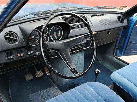 Motorrad Gegen Vw Bus by Classic Cars Oldtimer Vergleich Nsu Ro 80 Gegen Vw K 70