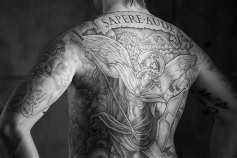 die 25 besten engel tattoos die ihnen fl 252 gel geben