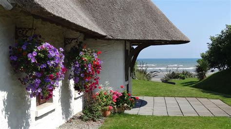 cottages ireland rent the cottages seabank luxury cottage ireland