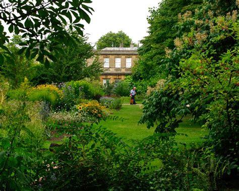 Gardensonline Oxford University Botanic Garden Gardens Tpg Walled Garden