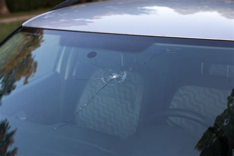 how to repair glass cracks the guide to cracked windshield laws in all states