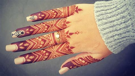 henna tattoo fingers collection of 25 henna designs on fingers