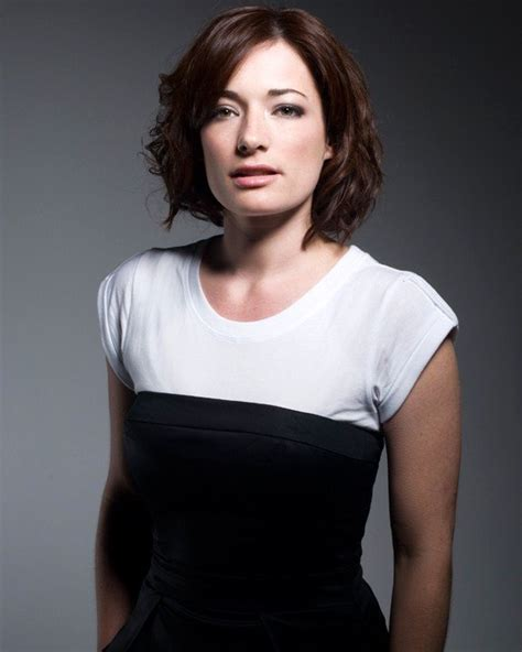 biography listening laura michelle kelly s biography free listening videos