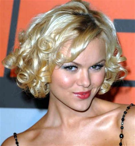 short curly hairstyle hairstyles 2012 pictures to pin on pinterest short curly bridal hairstyles for blond haircherry marry