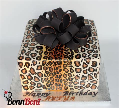 leopard birthday cake leopard print birthday cakecentral com