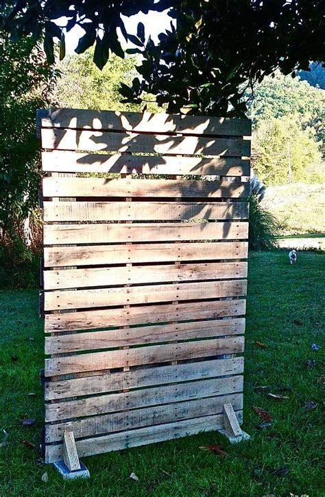Free Pallets From Home Depot by 25 Best Ideas About Pallet Picture Display On