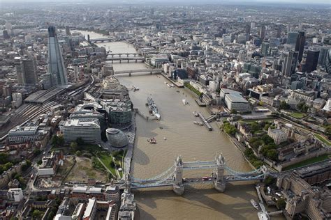 thames water london river thames polluted with microplastics that are finding