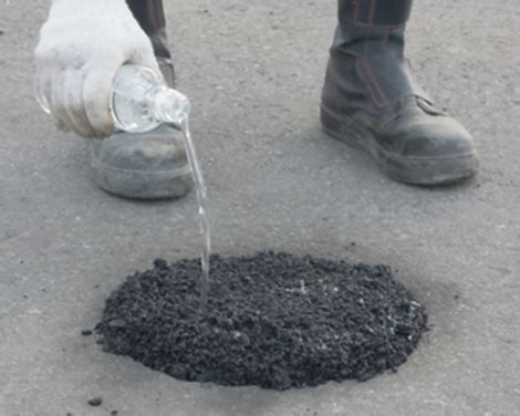 Aqua Patch Permanent Asphalt/Concrete Repair Solution
