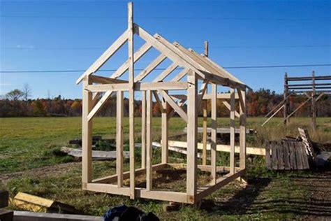 easy tips  follow  building  backyard shed