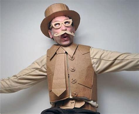imagenes de un traje reciclable para hombres en carnaval disfrazat 233 con materiales reciclados
