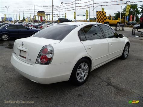 nissan altima white 2005 2005 nissan altima 2 5 s in satin white pearl photo 6