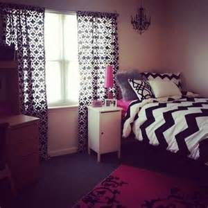 room with chevron bedding for college juxtapost