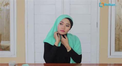 tutorial jilbab turban layer tutorial hijab cara memakai jilbab turban segi empat