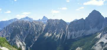 dolomite mountains ten amazing mountaintop views