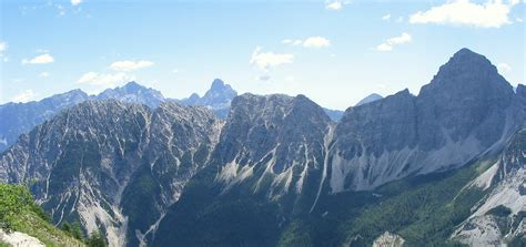 dolomite mountains ten amazing mountaintop views