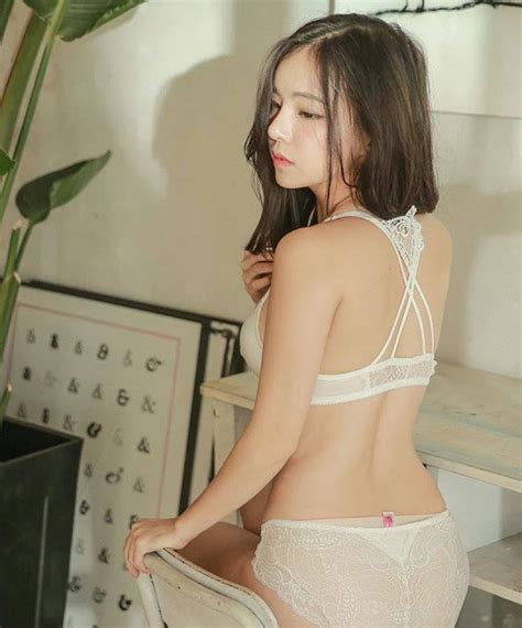 cute girl in her underwear the internet is entranced with this korean girl dancing in