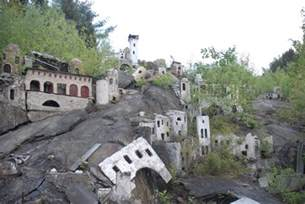 abandoned places 15 of the strangest abandoned places around the world