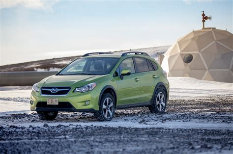 subaru crosstrek hybrid 2014 subaru crosstrek hybrid first drive motor trend